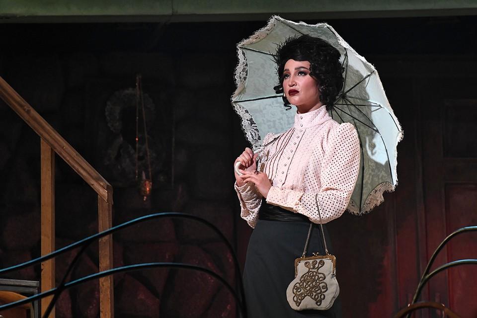 Ольга Бузова еще выйдет на сцену МХАТ.