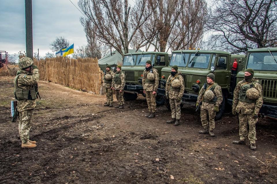 За два дня офицеры ВСУ украли и продали 19 тонн топлива. Фото: штаб ООС