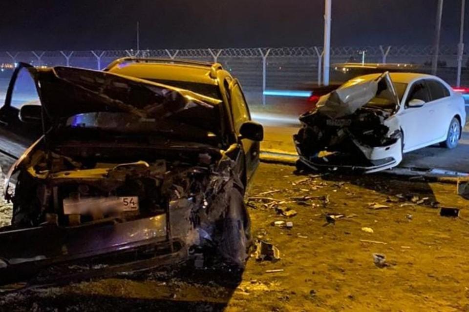 Оба водителя и их пассажиры попали в больницу. Фото: отдел пропаганды ГИБДД по Новосибирской области
