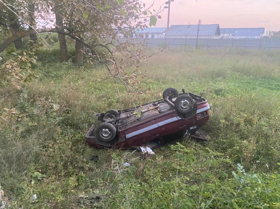 После наезда на детей машина перевернулась
