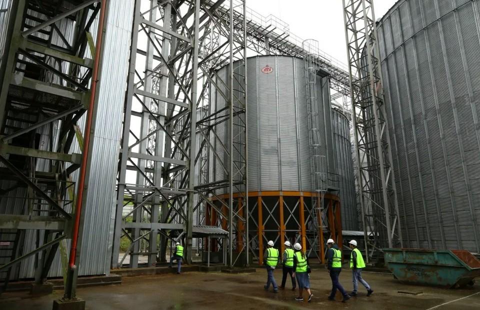 Элеватор на 130 000 тонн зерна заработал в Перевозе Нижегородской области. ФОТО: Юлия Горшкова