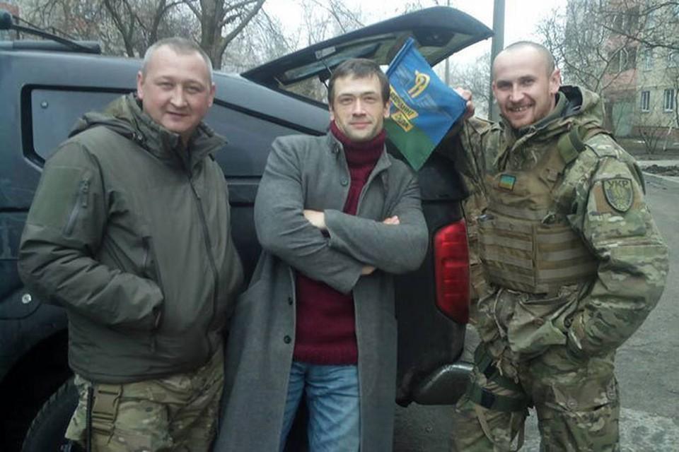 Анатолий Пашинин, 37 лет, живет в Запорожье. Считает себя украинским национал-анархистом